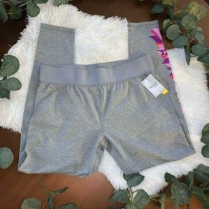 Danskin Now NWT Large Gray Fitted Active Leggings